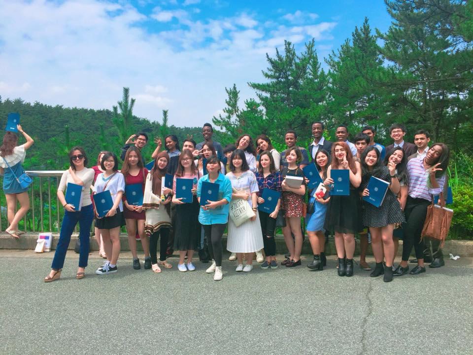 Học sinh xuất sắc ICOGroup nhận học bổng toàn ...