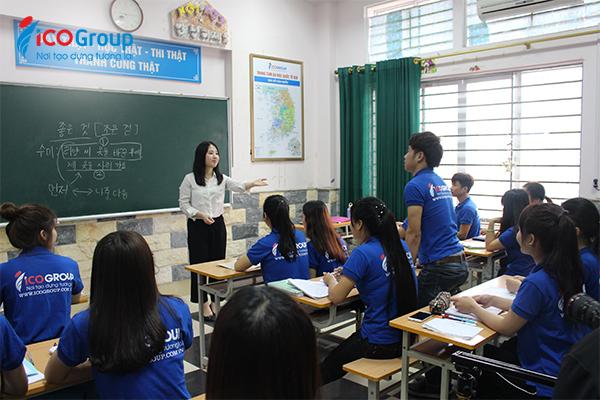 Với chương trình tư vấn du học Hàn Quốc khép kín tại ICOGroup, các em được học tiếng Hàn miễn phí từ năm lớp 12.